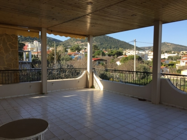 (For Sale) Residential Detached house || East Attica/Markopoulo Mesogaias - 184 Sq.m, 5 Bedrooms, 400.000€
